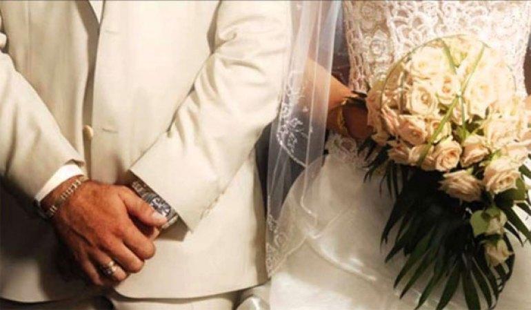 1e8d30b366e1 Λαμία  Ανακάλυψε ξαφνικά ότι είναι παντρεμένη και μάλιστα με γυναίκα ...